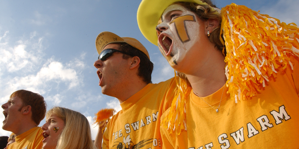 Screaming GT fans